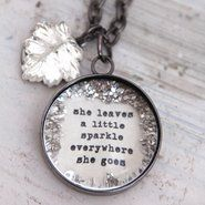I love this necklace