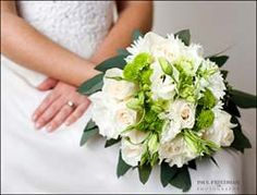 Perfect Flower Bouquet for Emerald Green Wedding Theme