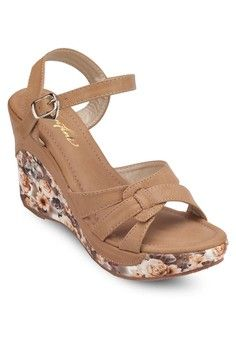 Comfy Wedges from SENTINI in brown_1