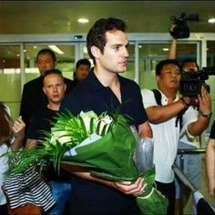 Omg if i would see my honey Henrywaiting for me at airport with roses and flowers omg i would scream and run to him and give him a huge long kiss and say aww thank you honey i love you. Can anyone just sit back stop what your doing and imagine yourself coming out of the plane and the first person you see waiting for you in front is Henry with roses and flowers for you how would you react? and what would you say to him? and do to him?