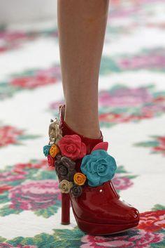DelPozo - Detalles  http://misqueridasfashionistas.blogspot.com.es/
