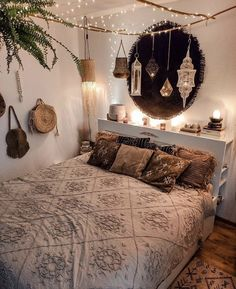 hippie bedroom decor 762234305671209851 - Bohemian bedroom, hippie house decor Source by bohoandflower Room Ideas Bedroom, Room Decor Bedroom, Bedroom Pics, Diy Bedroom, Hippie Bedroom Decor, Bedroom Artwork, Bedroom Images, Master Bedroom, Ikea Interior