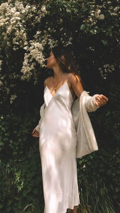 Slip Dress Outfit, Summer Dress Outfits, Cute Outfits, White Summer Dresses, Slip Dresses, Dress Summer, Spring Outfits, Look Fashion, Fashion Beauty