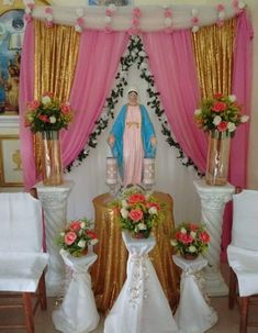 Church Altar Decorations, Wedding Decorations On A Budget, Virgin Mary Birthday, Balloon Decorations, Table Decorations, Catholic Altar, Altar Design, Mama Mary, Blessed Mother Mary