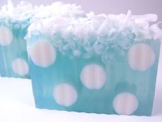 This would be cool as a rain soap, sprinkle dark blue mica ontop and swirl in for rain and the white curls ontop for the cloud :)