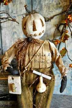 Earlywork- A Wing and a Prayer primative halloween Primitive Scarecrows, Primitive Autumn, Primitive Pumpkin, Primitive Folk Art, Primitive Crafts, Primitive Christmas, Halloween Doll, Vintage Halloween, Fall Halloween
