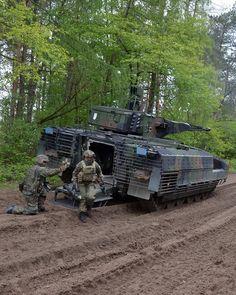 Puma Ifv, Armored Truck, Military Armor, Battle Tank, World Of Tanks, Artwork Pictures, Military Equipment, German Army, Modern Warfare
