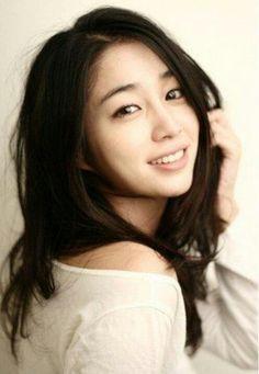 Lee Min-jung (이민정)
