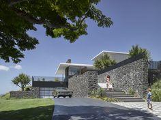 Casa de Pedra / Base Architecture