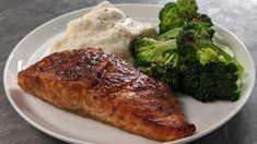 Bourbon-Marinated Salmon Popeyes Fried Chicken, Bbq Chicken, Sweet Potato Pound Cake, Oven Baked Chicken Thighs, Marinated Salmon, Loaded Baked Potatoes, Salmon Recipes, Fish Recipes, Seafood Recipes