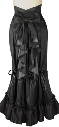 Steampunk Adjustable Bustle Skirt by Amber Middaugh
