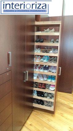 (Como organizar zapatos fácilmente) would not work for me-all too hidden Closet Bedroom, Closet Space, Shoe Storage, Locker Storage, Smart Storage, Extra Storage, Storage Ideas, Dream Closets, Closet Designs