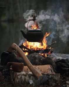 You are in the right place about Bushcraft camping simple Here we offer you th .You are in the right place about Bushcraft camping simple Here we offer you the most beautiful pictures about the Bushcraft Camping, Survival Food, Outdoor Survival, Survival Skills, Survival Prepping, Wilderness Survival, Camping Survival, Winter Survival, Survival Weapons