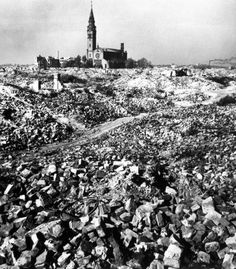 The section of Warsaw where the ghetto stood, as seen by Capa in October 1948/Robert Capa