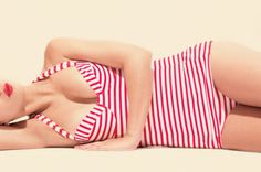 5 costume de baie retro de purtat in vara on http://www.fashionlife.ro