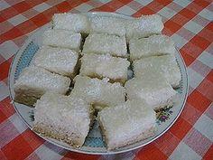 Prajitura cu nuca de cocos si ciocolata alba ~ Bucatar maniac si prietenii