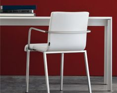 Italian Contemporary furniture Pedrali: design chairs, tables and lamps for contract and commercial furnishings. Design Made In Italy. Modern Chairs, Contemporary Furniture, Chair Design, Table, Home Decor, Modern Adirondack Chairs, Modern Dining Chairs, Interior Design, Home Interior Design