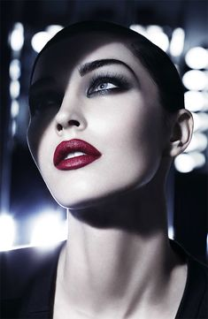 If only my lips were able to pull of this look....sigh