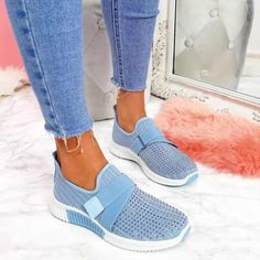 Tenis Casual, Casual Loafers, Casual Sneakers, Sneakers Fashion, Casual Shoes, Colorful Sneakers, Shoes Style, Comfy Shoes, Moda Sneakers