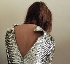 Find images and videos about fashion, model and glitter on We Heart It - the app to get lost in what you love. Daily Fashion, Fashion Beauty, Fashion Women, High Fashion, Metallic Dress, Metallic Fashion, Silver Dress, Street Style, Dress Me Up