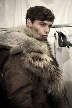 Hannes Gobeyn backstage DSquared2 FW15 by Sara Cimino for HungerTV