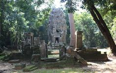 Hospital Chapel in Angkor, Cambodia  Date: End of 12th century, Reign: Jayavarman VII, Religion: Buddhist  Read more: http://www.globaltravelmate.com/asia/cambodia/angkor/angkor-temples/691-siem-reap-hospital-chapel.html#ixzz2XbPvJVcQ