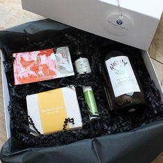 Caja de suscripción Fiorebox del mes de Junio | Cajas regalo Unboxing, cajas de belleza, Campo di fiore