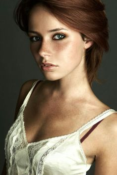 Added to Beauty Eternal - A collection of the most beautiful women. - Added to Beauty Eternal – A collection of the most beautiful women. Beautiful Redhead, Beautiful Eyes, Most Beautiful Women, Simply Beautiful, Beautiful Freckles, Beautiful Clothes, Foto Face, Female Character Inspiration, Story Inspiration