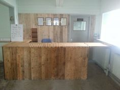 Shop counter from recycled pallets | 1001 Pallets