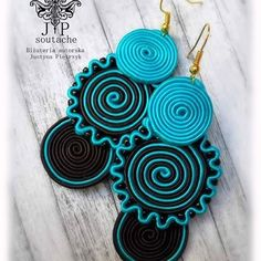 Macrame Jewelry, Fabric Jewelry, Diy Jewelry, Fashion Jewelry, Jewelry Making, Jewelry Design Earrings, Diy Earrings, Soutache Necklace, Crochet Necklace