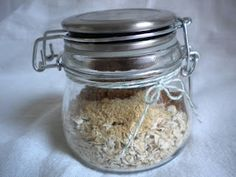 Treats With a Twist: Homemade Maple and Brown Sugar Instant Oatmeal Mix