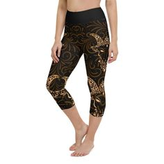Workout with comfort and Show-off your Zodiac Sign in Capricorn with these high-quality capris. This design is made to complement any body types. Show off that bum, be a head-turner, and workout in confidence. Crotch Area, Zodiac Capricorn, Workout Leggings, Body Types, Squats, Zodiac Signs, How Are You Feeling, Confidence, Bending
