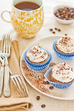 Cappuccino Cupcakes with Whipped Cream Frosting