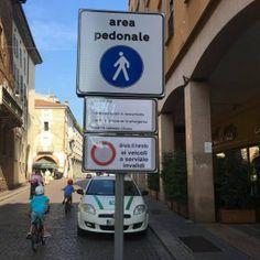 In queste settimane di fine estate, l'attività politica pavese è focalizzata sul Centro Storico e sulla necessità o meno di vietare il transito degli autobus in Corso Cavour, dopo l'ann…