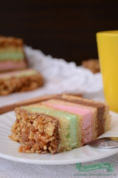I haven't eaten Krant cake in a long time. It's one of my childhood cakes beside Amandine and Boema. Romanian Food, Baby Cakes, Homemade Cakes, My Recipes, Food And Drink, Yummy Food, Sweets, Caramel, Baking