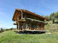 TLM, transformation d'un grenier, Vallese, 2011 Small Log Cabin, Mountain Cottage, Chalet Style, Wooden House, Tiny House Design, House Extensions, Types Of Houses, Interior Architecture, Cottages