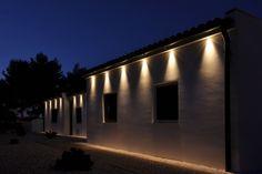 Paredes exteriores Lighting System, Garage Doors, Outdoor Decor, Home Decor, Lighting Design, Log Projects, Decoration Home, Room Decor, Home Interior Design