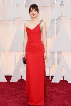 Oscars 2015 Las Mejor Vestidas: Dakota Johnson en Saint Laurent  Vestido elegante, largo rojo