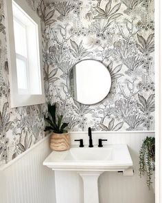We finished up our bathroom reno this weekend! Powder Room Small, Bathroom Renos, Bathroom Accents, Black Bathroom Decor, Rustic Bathroom Decor, Small Half Bathrooms, Powder Room Wallpaper, Small Half Baths, Small Bathroom Wallpaper