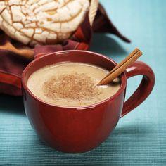 Canjica  Achocolatada   (à base de chocolate, uma bebida quente e cremoso, com base em farinha de canjica), leite e de cravo ou anis. Bebida quente) ¼ copo de farinha de canjica branca/instantânea-  1 xícara de água quente-   3 xícaras de leite-      1/2 xícara nestlé achocolatado /granulado Nescau Nestlé(chocolate granulado) Canela em pó p/salpique.