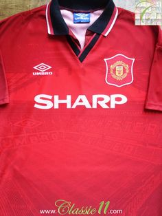 Relive Manchester United 1994/1995 season with this vintage Umbro home football jersey