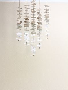 swoon studio: Made at home: Anthropologie inspired paper mobile Mobiles, Paper Art, Paper Crafts, Diy Crafts, Diy Paper, Diy Projects To Try, Craft Projects, Deco Dyi, Diy Pompon