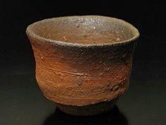 Yuho Kaneshige - Sake cup #ceramics #Japanese_ceramics #pottery…