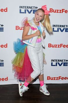 daily event, fashion, lifestyle and social program coverage of the celebrities. Buzzfeed, Jojo Siwa Outfits, Chic Outfits, Fashion Outfits, Dance Moms Girls, Nyc, Famous Singers, Halloween Party Costumes, Lol Dolls
