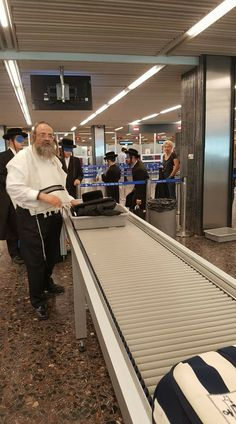 Certain Hasidic Jewish sects travel with blindfolds to prevent young men from seeing immodestly clad women http://ift.tt/2jDnwpB