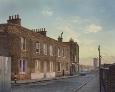 Spectacular Photos of London's Lost East End In Kodachrome - Flashbak London Now, East End London, Old London, London Life, London Places, Clapham Common, Highgate Cemetery, London History, Local History