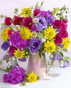 (Russia) Still life flowers in vase by Marianna Lokshina. Window Box Flowers, Flower Boxes, Fresh Flowers, Spring Flowers, Beautiful Flowers, Spring Flower Arrangements, Floral Arrangements, Ikebana, Flower Art