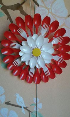 Pin by Elena on Пластиковые ложки Crafts To Make, Crafts For Kids, Arts And Crafts, Paper Crafts, Diy Crafts, Plastic Spoon Crafts, Plastic Spoons, Plastic Silverware, Plastic Bottles