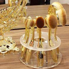 Oval Makeup Brush Set MULTIPURPOSE Professional Foundation Powder Brush Kit Beauty Kit, Brush Kit, Makeup Tricks, Powder Foundation, Love Makeup, Makeup Brush Set, Synthetic Hair, Doll, Ceiling Lights
