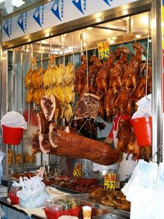 Mong Kok, Stadtteil der skurrilen Marktplätze, Einheimische Mode, Mong Kok